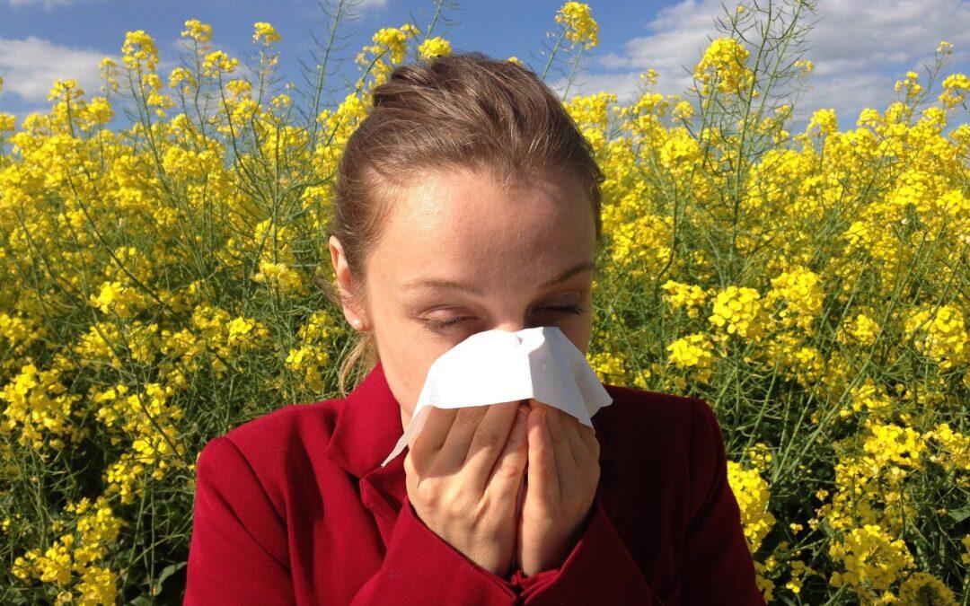 Allergia stagionale e Covid-19. Come distinguerli?